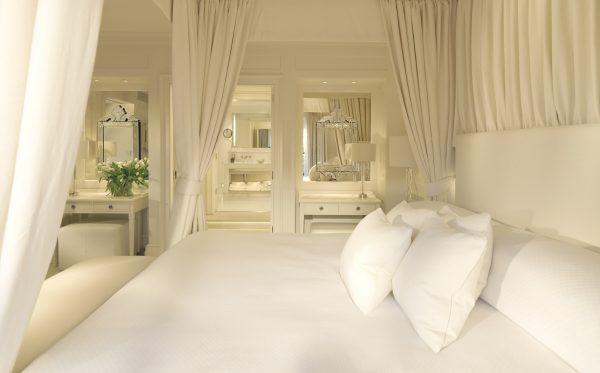 blanc de blanc, suite, room, hotel, le manoir de quat'saisons, oxfordshire, belmond