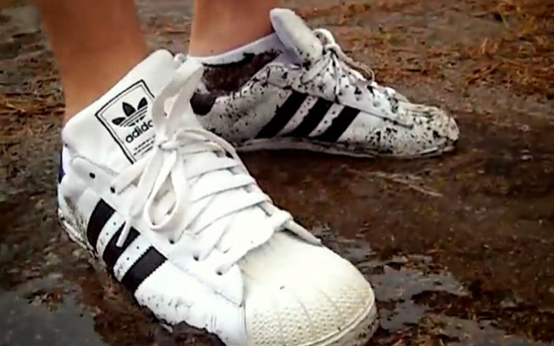 adidas superstars, white trainers, white sneakers, dirt, mud, dirty