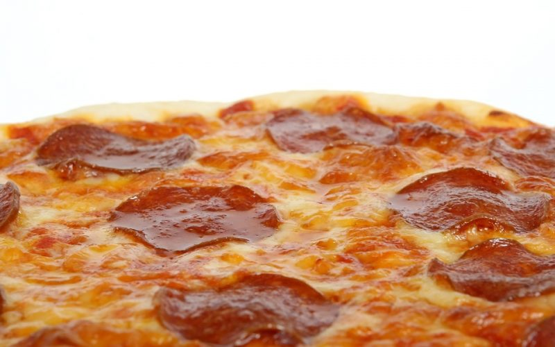 social eating, binge eating, pizza, food
