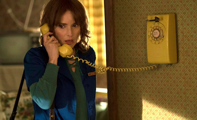 winona ryder, joyce byers, stranger things, netflix, tv drama, anxious, phone, calling, appointments