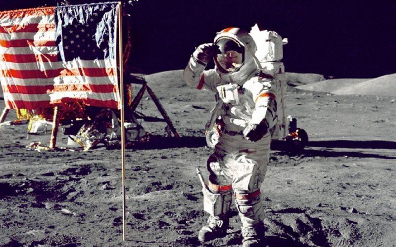 astronaut, moon landing, flag, territory, mark territory, mine