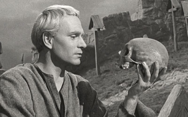 hamlet, skull, laurence olivier, fuck distribution, to give a fuck or not to give a fuck, no fucks given, zero fucks