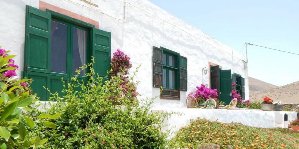 casa de la caldera, lanzarote, spain, winter sun, villa, holiday, vacation, travel, i-escape