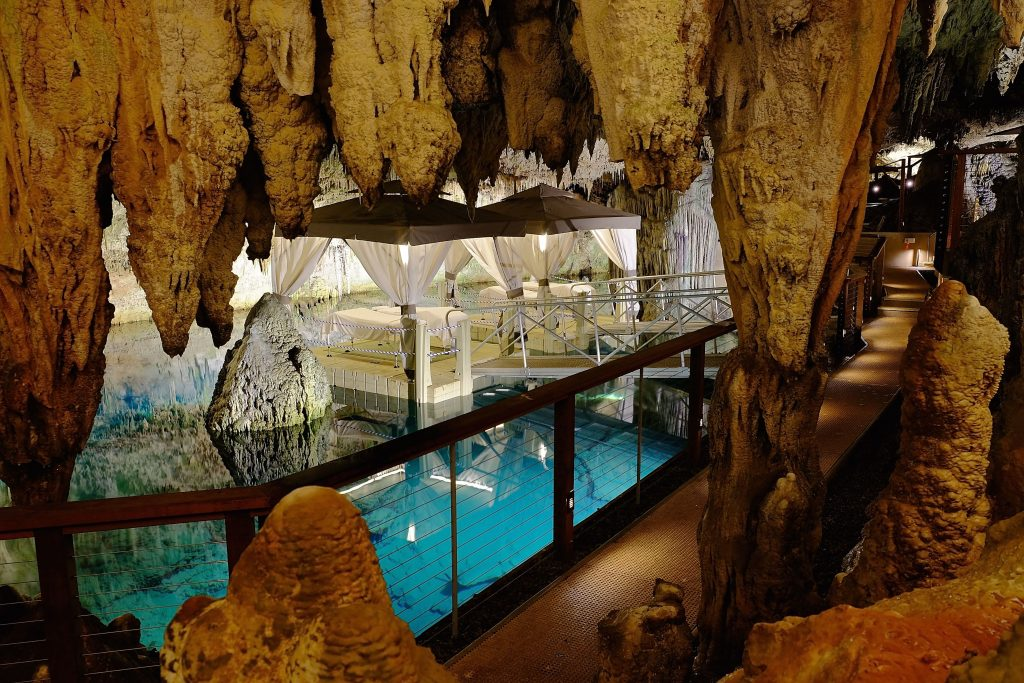 grotto bay, bermuda, holiday, vacation, winter sun, caves, classic collection, spa