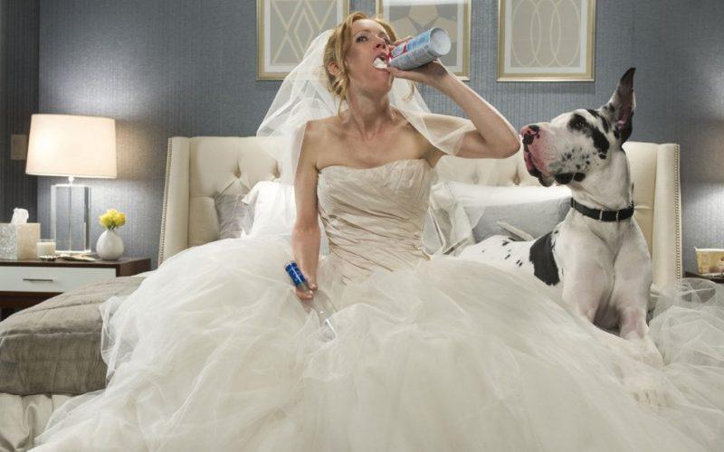 the other woman, leslie mann, wedding dress, drunk, drunk behaviour, alcohol, weird, odd, pointless