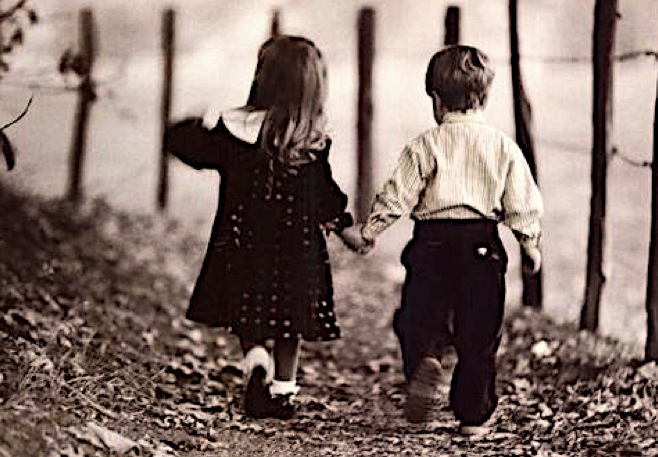 little girl and boy, holding hands, relationship rules, relationships, love, young love