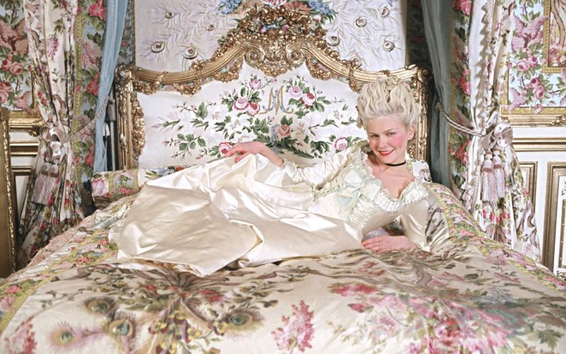 marie antoinette, kirsten dunst, luxurious bed, beautiful bedding