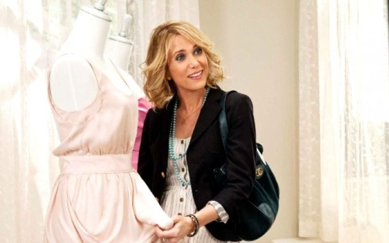 kristen wiig, bridesmaids, shopping, financial crisis, spending money, stress shop