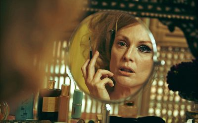 julianne moore, make up, mirror, sad friend, bad friend, isolated, lonely, ill