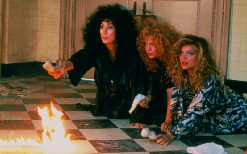 witches of eastwick, susan sarandon, michelle pfeiffer, cher, scary, terrifying