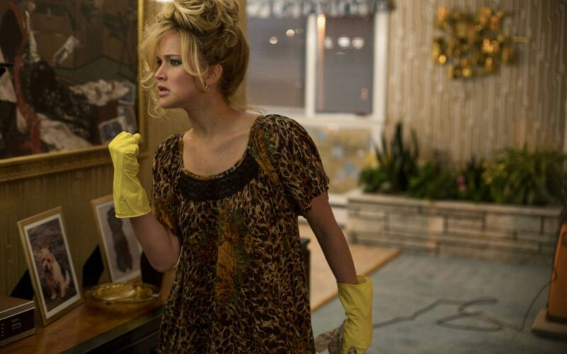 jennifer lawrence, cleaning, american hustle, fist clench